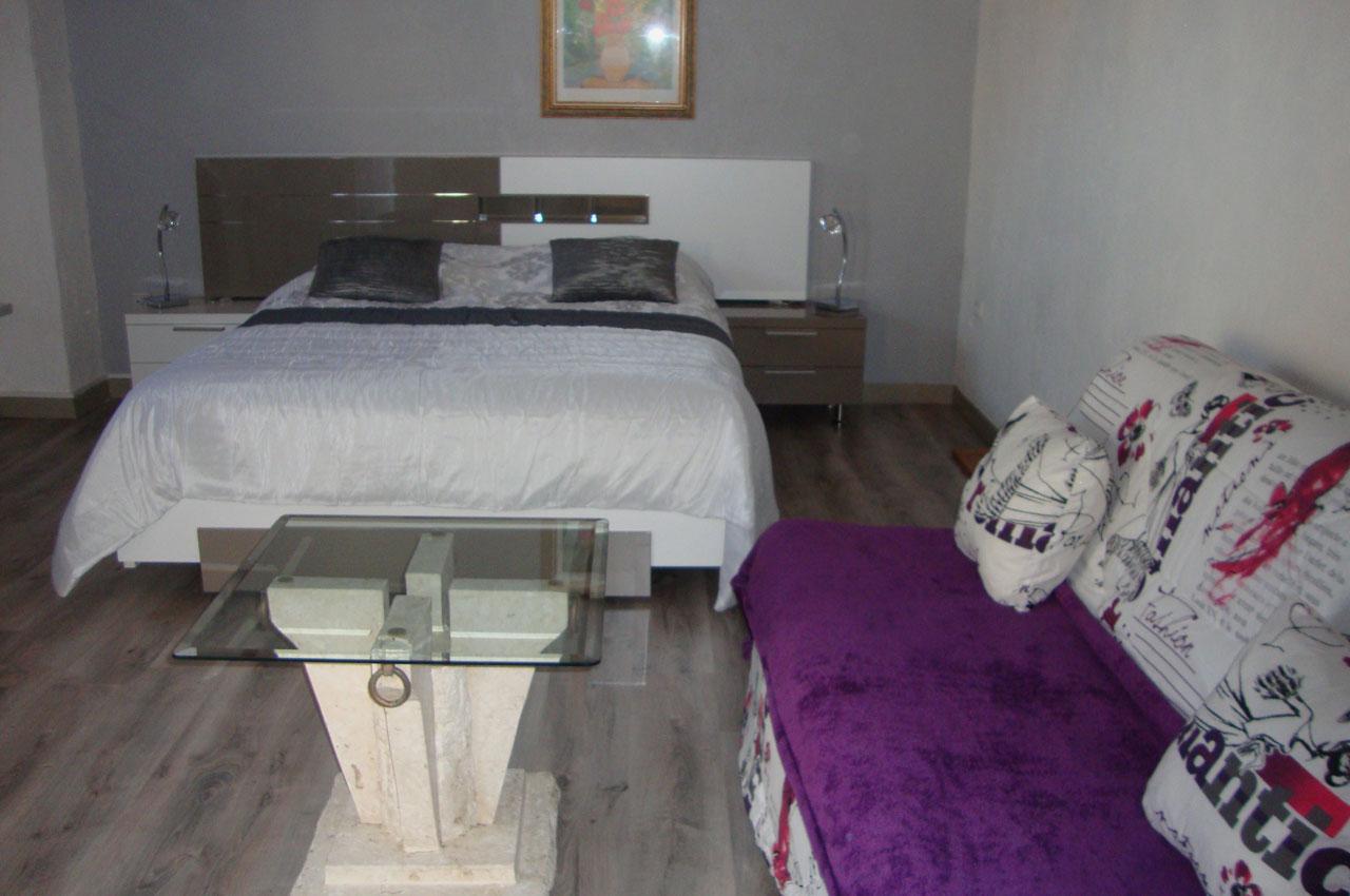 Chambre d'hôtes avec terrasse et jacuzzi à Fréjus